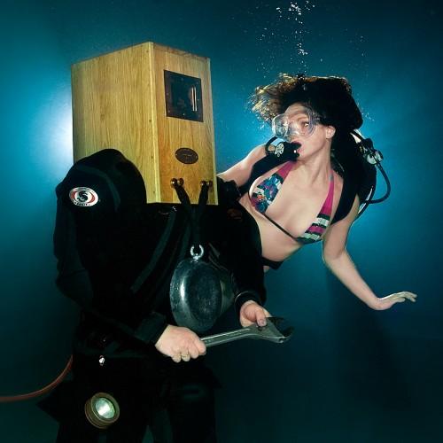 Diver & Nymph by Viktor Lyagushkin