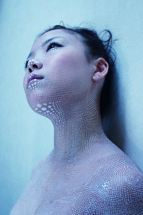 Dot contour portrait of a woman by Miharu Matsunaga