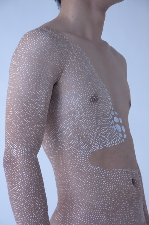 Dot contour portrait of a male torso by Miharu Matsunaga