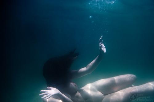 Erinn VonBeck underwater nude