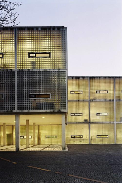 facade of an art & architecture academy building