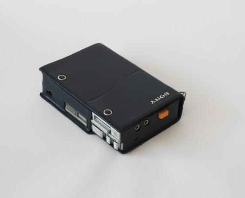 sony tps-l2 walkman in black case