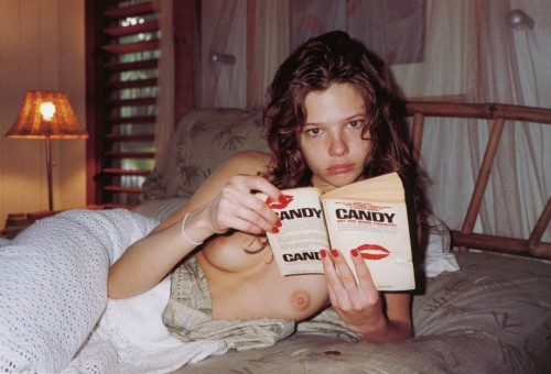 Nude girl reading in bed - Susan Eldridge by Terry Richardson